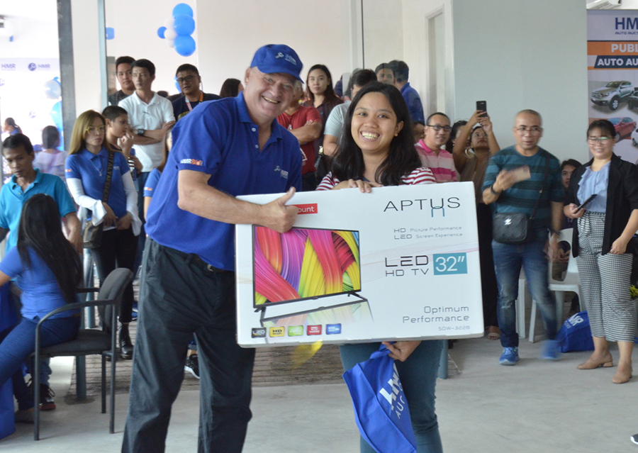 HMR showed its appreciation to its bidders by treating them to food, games and prizes, vendor promos and giveaways.