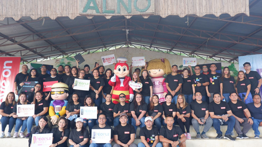 Lenovo Uplifts Students of Remote Baguio School Anew