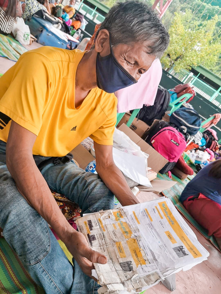 Stranded OFWs And Locals Get Help From PLDT Smart Foundation