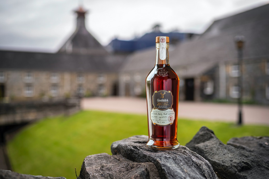 Glenfiddich Partners With Whisky Auctioneer to Raise Funds for the Speyside Community