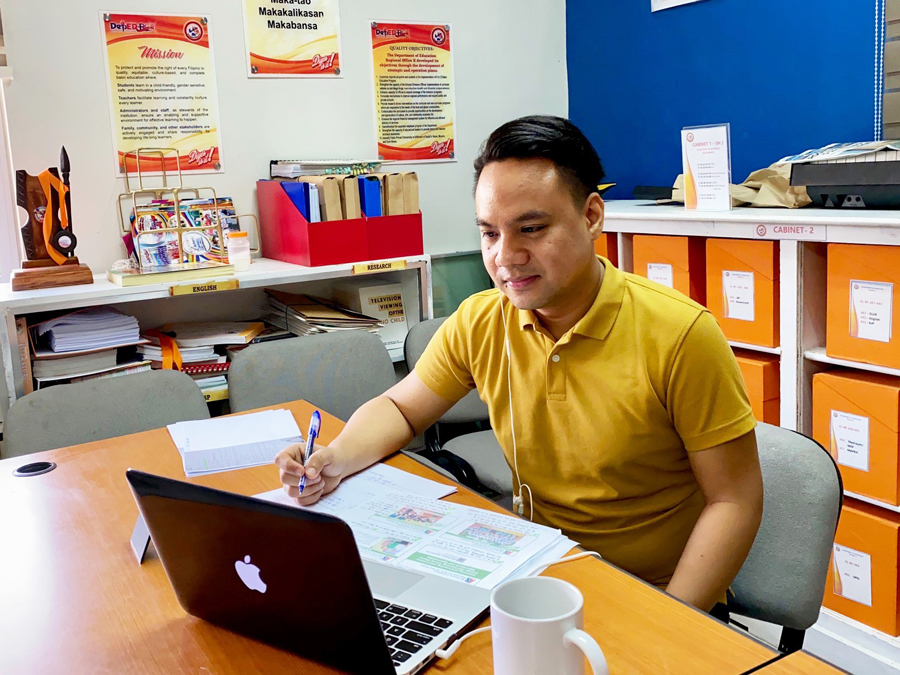 """Smart-Backed Dynamic Learning Program to Benefit DepEd ALS Butuan's """"Second-Chance"""" Learners"""