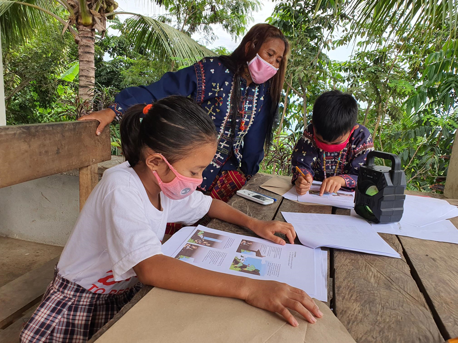 Smart Helps Sarangani Shift to Distance Learning