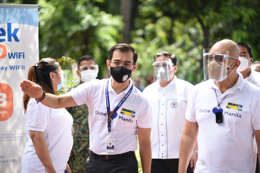 Globe launches KonekTayo School Bus WiFi in Manila
