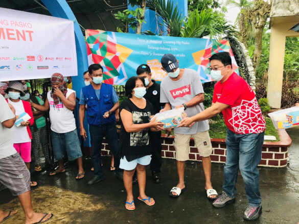 Over 5,000 families and communities receive Noche Buena packs from PLDT, Smart, PLDT-Smart Foundation