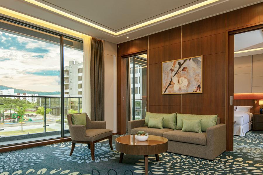 Escape to your 'dream destination up north' at Hilton Clark Sun Valley Resort